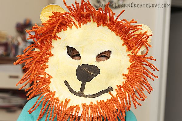 Lion Mask Craft / Art Project - Great for Pre-K Complete Preschool Curriculum's Zoo theme! Repinned by Pre-K Complete - follow us on our blog, FB, Twitter, & Google Plus!