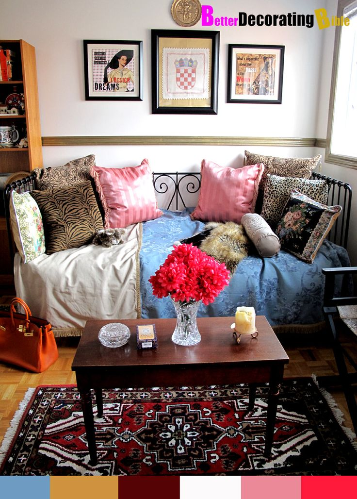 51 Amazing Bohemian Living Room Designs : 51 Bohemian Living Room Designs  With White Walls Window Sofa Pillow Red Flower Wooden Table Cupboard Carpet  ...