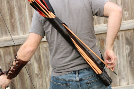 Black Leather Quiver  Right side reverse draw by UpshotArchery