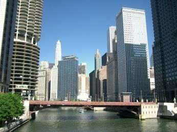 #Matuszyk – #chicago_river in downtown
