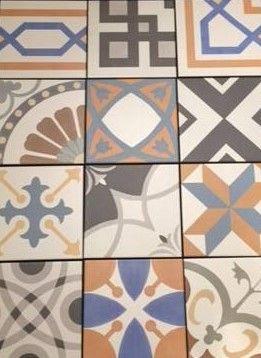 Nu in de showroom! Deze patchwork tegels van de serie Rivival hebben een matte vintage look. Een bijzonder toevoeging aan uw badkamer/keuken. Klik op bezoeken voor meer informatie op onze Facebook pagina.