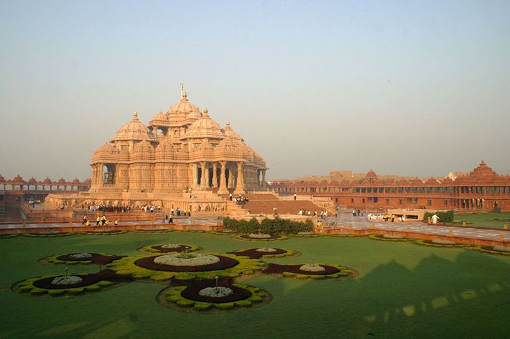 Swaminarayan Akshardham temple in New Delhi epitomizes 10,000 years of Indian culture in all its breathtaking grandeur, beauty, wisdom and bliss. It brilliantly showcases the essence of India's ancient architecture, traditions and timeless spiritual messages. The Akshardham experience is an enlightening journey through India's glorious art, values and contributions for the progress, happiness and harmony of mankind.