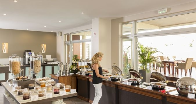 Hilton Noumea La Promenade Residences - breakfast