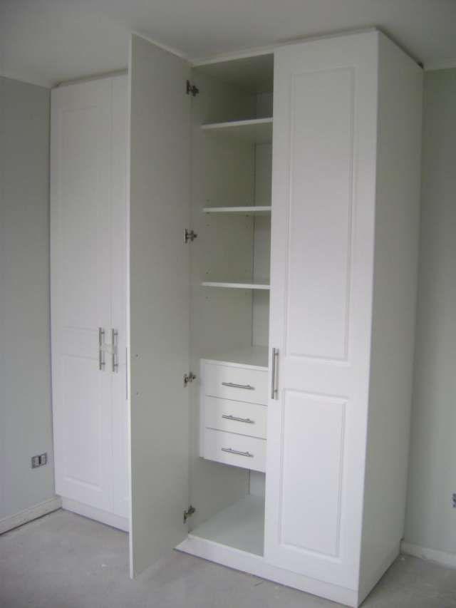 Closet blanco, con cajones y 4 puertas