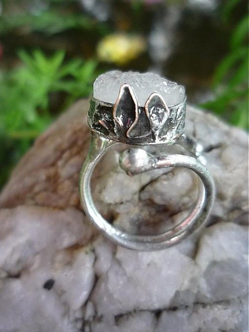 I want to engage this ring :)