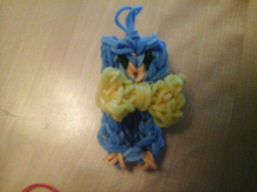 This is my owl I made on my rainbow loom.