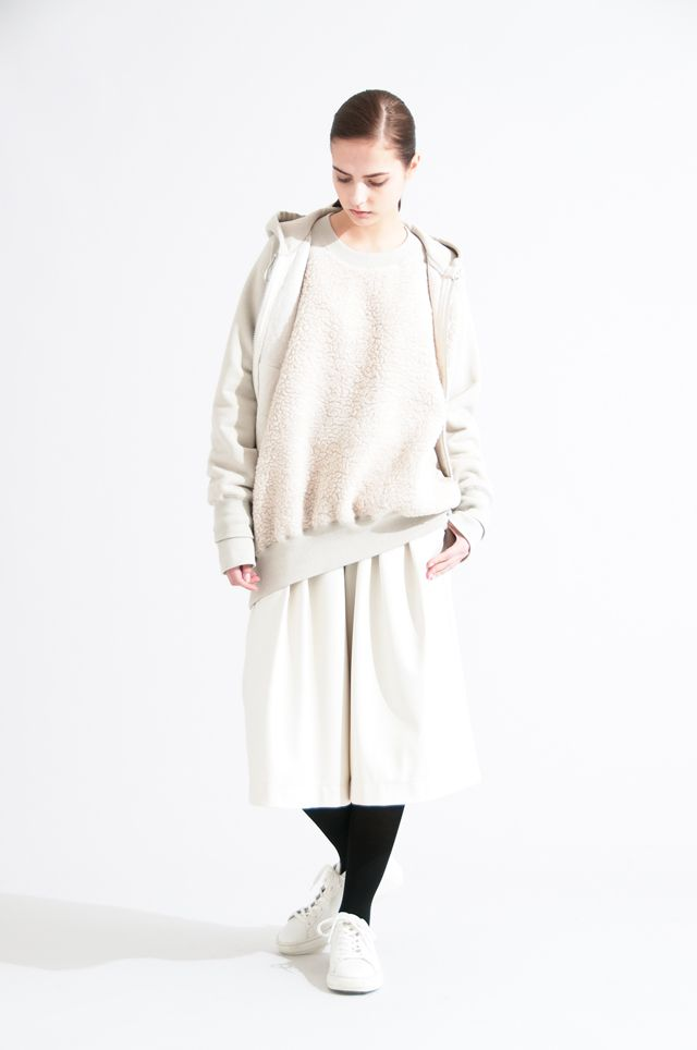 2016-17 A/W 006, Cotton Acrylic Sweat + Wool Boa Round Tail Parka  RCV-T08-012, Cotton Acrylic Sweat + Wool Boa Round Tail Pullover  RCV-T07-012, Artificial Leather Two-tuck Culottes  RCV-P02-201