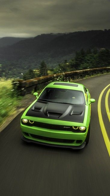 DODGE CHALLENGER HELLCAT GREEN ROAD
