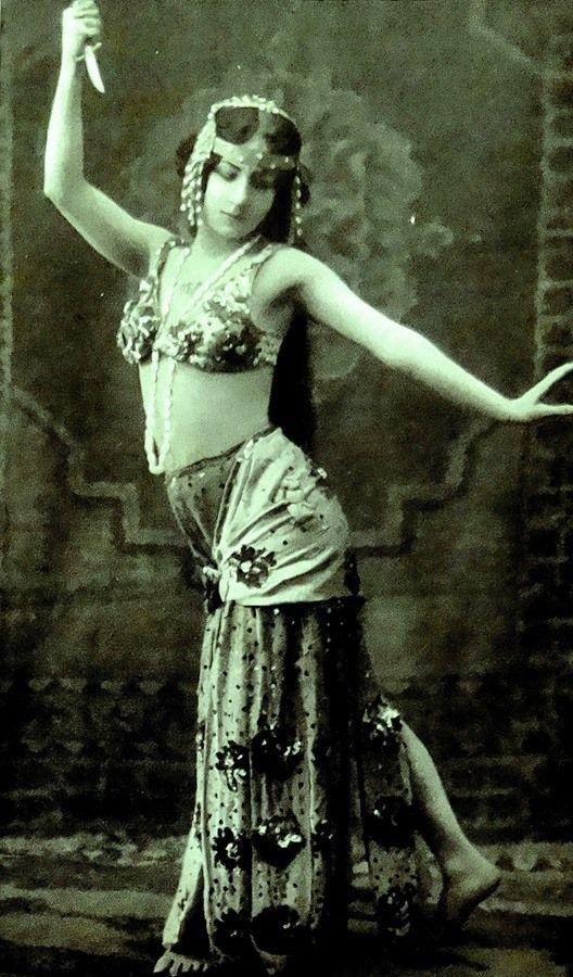 78 best Vintage Belly Dancers images on Pinterest | Belly ...