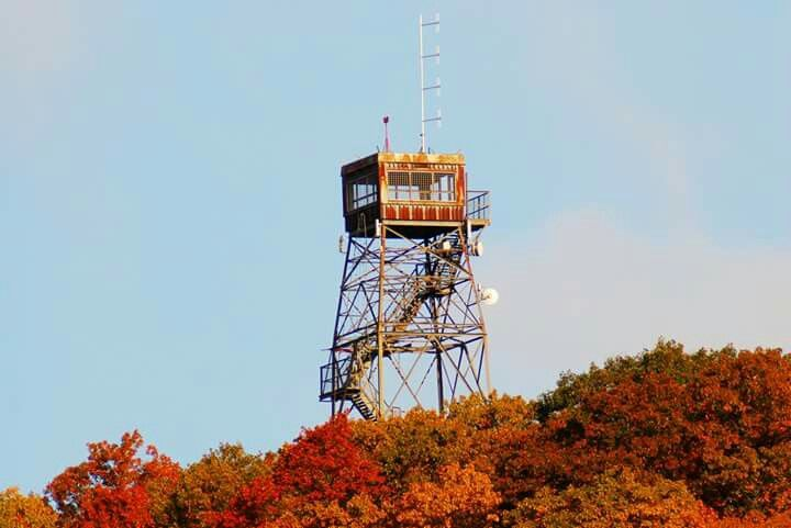 Dorset Scenic Lookout Tower in #DorsetOntario is ranked the #1 place to view the fall colours. http://www.discovermuskoka.ca/muskoka-fall-photos