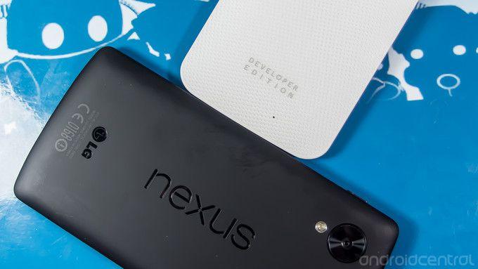Nexus 5 Vs Moto X.