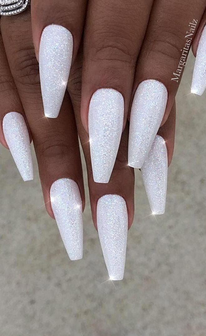 27 Trendy White Acrylic Nails Designs In 2020 Acrylic Nail Designs White Acrylic Nails White Nail Designs