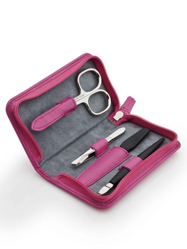 SPLNĚNO:)  Manicure set leather pink - jen pro inspiraci, stačí nějaká menší manikúra, co bude obsahovat nůžky, piknik kovovy a papírový, pinzetu.