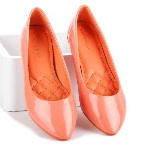 Dámské baleríny Ideal Lenndy oranžové – oranžová Není nad jednoduchost. Krásné jednobarevné baleríny z lakované EKO kůže doplní a zjemní každý model, který si oblečete. Balerínky jsou velmi praktické díky jejich jednoduchému provedení. Ideální nejsou …