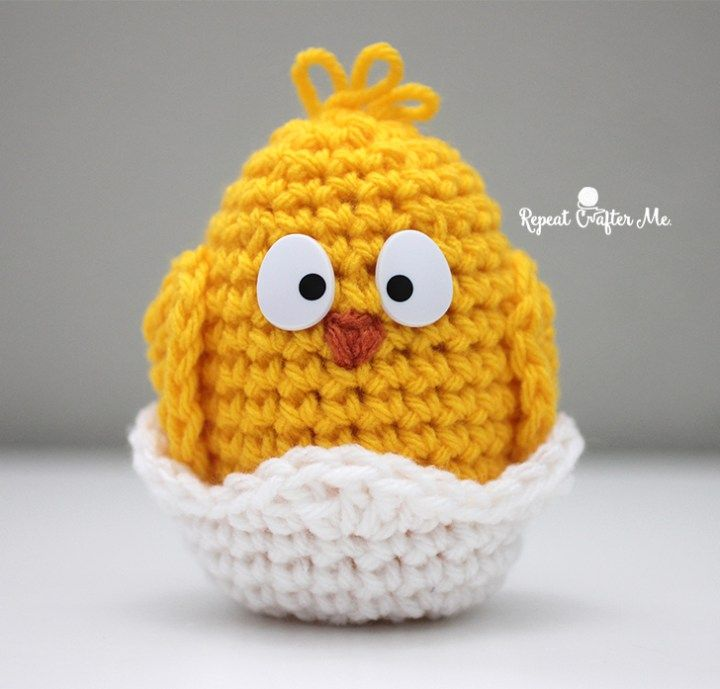 Crochet Baby Chick - free pattern @ Repeat Crafter Me, thanks so xox ☆ ★   https://uk.pinterest.com/peacefuldoves/