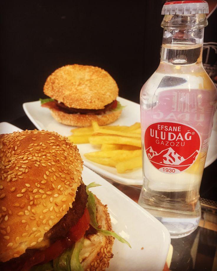 Wash down a perfect meal from galata with Uludağ Gazozu. #simitburger ##uludağgazozu #galatabakery #braamfontein #johannesburg