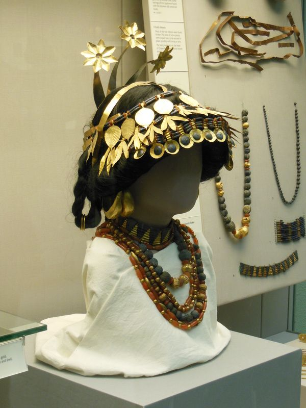 ancient egypt outfits plus jewelry