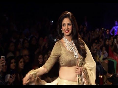 Sridevi's stunning ramp walk at IIJW 2014.