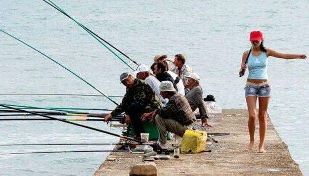 Χαμός σε νησί των Κυκλάδων! Πήγε για ψάρεμα και είδε την γυναίκα του με δύο…