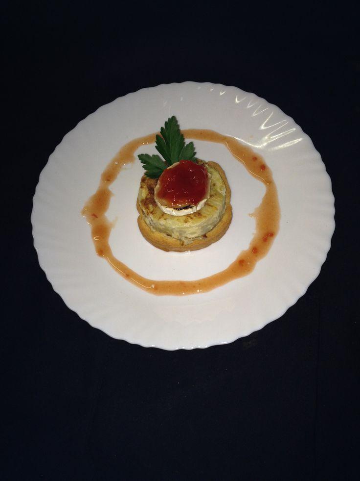 Tortilla de Patatas, Queso de cabra con mermelada de tomate.