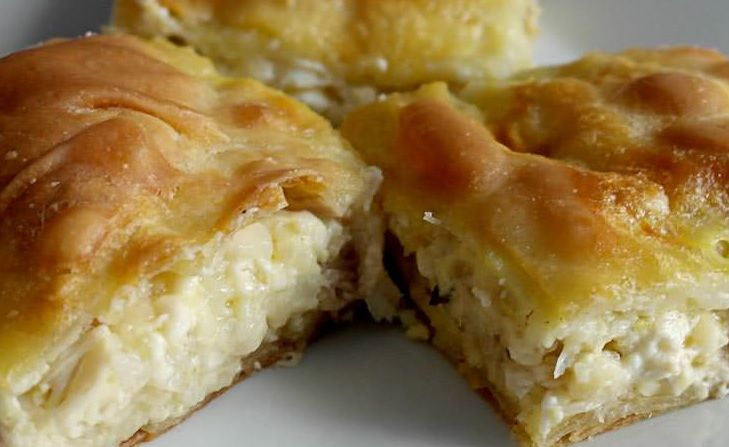 This Greek traditional chicken #pie #recipe will delight you! #kotopita