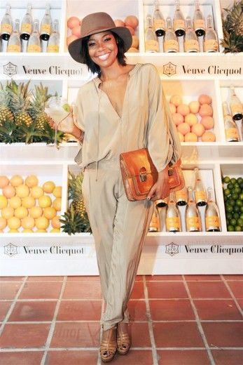 Gabrielle Union:  jumpsuit, fedora, nudes, no make-up makeup. oh and a menswear inspired satchel/ overesized clutch. LUV!