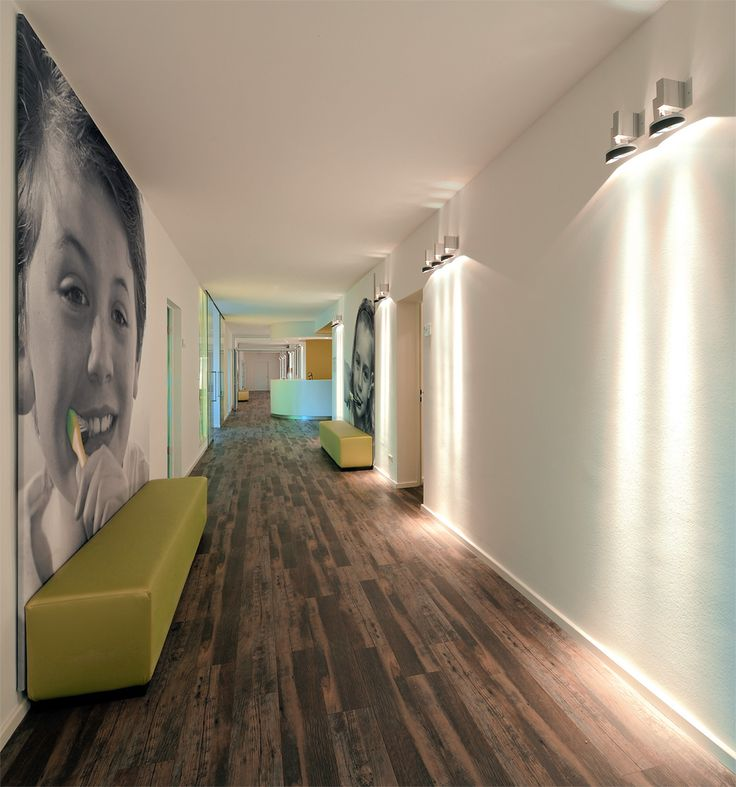 DLW Linoleum References - Dental Practice in Aachen - Armstrong murale