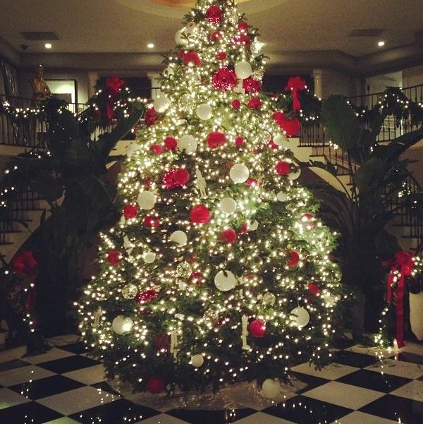 The kardashians Christmas tree | Kardashian Kudzu | Pinterest