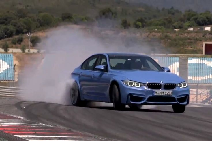 Chris Harris is back with another episode of his Youtube car series. This week, he goes behind the wheel of the new F80 BMW M3.