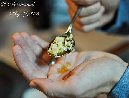 10 ways to consume raw Garlic (great during clod and flu season)