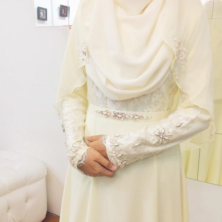 """Close up detailing on custom made nikah solemnization dress for #sadasbride  #sadasveil #lolitabasicshawl"""