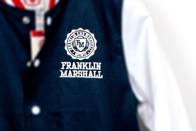 Jacka från Franklin & Marshall - W2 i Täby Centrum