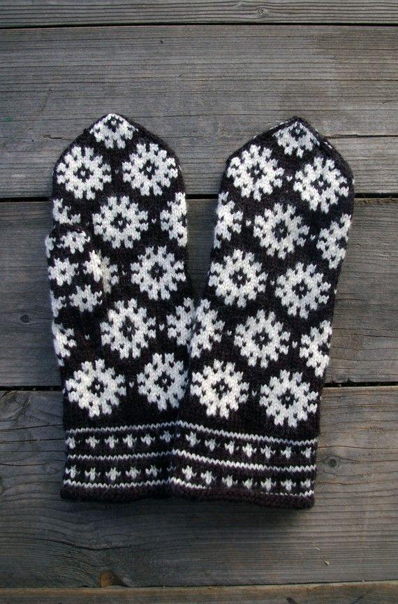 Wool Mittens-Black And White Scandinavian Mittens$36.00