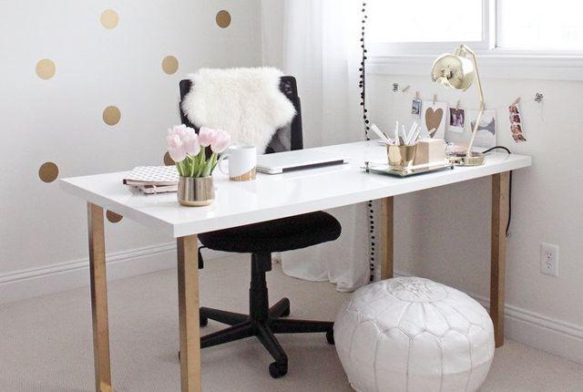 Lucrezi de acasa? Transforma-ti biroul intr-un mediu cat mai placut pentru productivitate maxima! - http://www.stilulmeu.com/transforma-ti-biroul-de-acasa-intr-un-mediu-cat-mai-placut-pentru-productivitate-maxima/