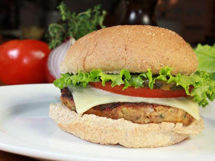 Burger de thon, cheddar et thym frais recette de Clover Leaf