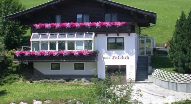 Haus Talblick - #Apartments - EUR 45 - #Hotels #Österreich #Kaprun http://www.justigo.de/hotels/austria/kaprun/haus-talblick-kaprun_36107.html