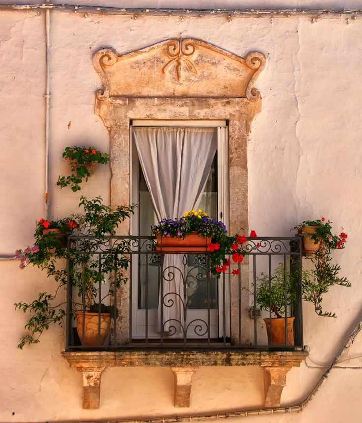 17 best images about gardens balcony window on for Balcony in italian