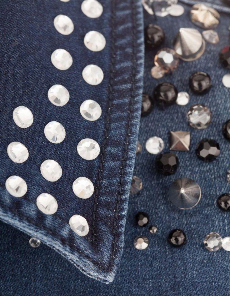 die besten 25 jeans mit strass ideen auf pinterest halter tops tuch binden unter hemd und. Black Bedroom Furniture Sets. Home Design Ideas