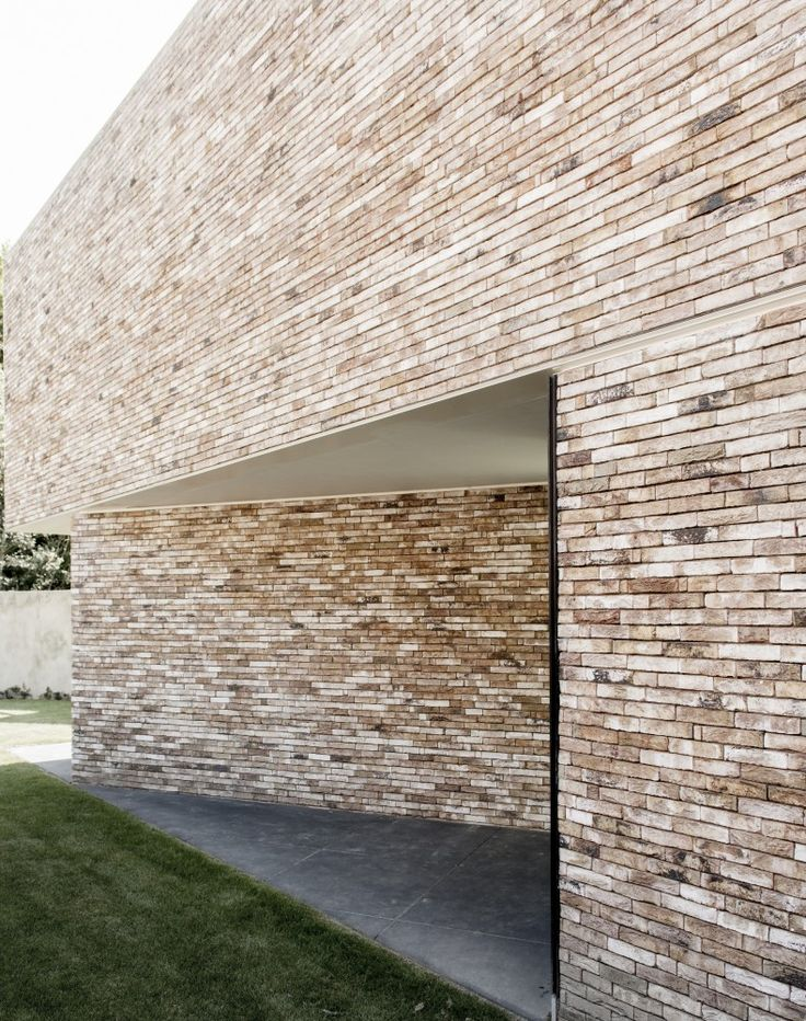 House K / GRAUX & BAEYENS Architecten brick slip for extension front?
