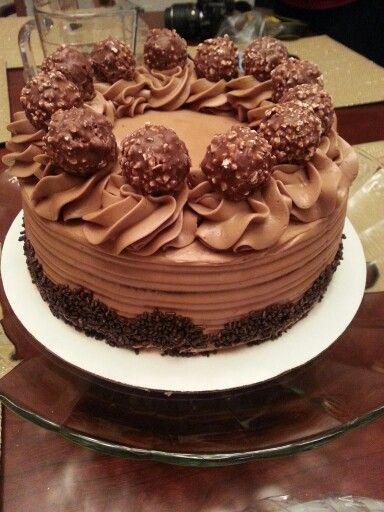 Yellow cake, chocolate ganache filling with chocolate buttercream!