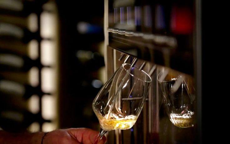 Scegli il nuovo modo di proporre più etichette di vino senza sprechi con i dispenser #vino: http://idssermide.com/perche-conviene-acquistare-dispenser-vino/ #dispenservino #dispenserpervino