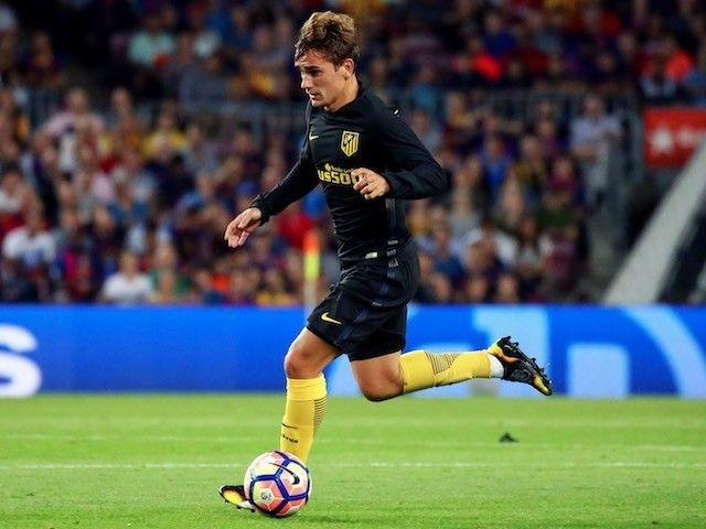Manchester United, Manchester City 'to battle for Antoine Griezmann'