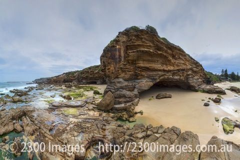 Looking Back at the Caves, Caves Beach - A large (100 Mega-pixel) image of Caves Beach Caves, Lake Maquarie, NSW, Australia.
