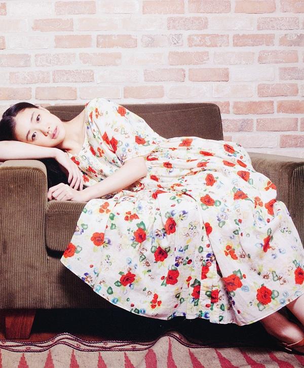 AOI YU / RED FLOWER DRESS  Flower Dress #2dayslook #sunayildirim #watsonlucy723 #FlowerDress  www.2dayslook.com