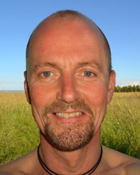 http://www.kimbruchmann.dk/profil    Kim Bruchmann does ManuVision massage and meditation