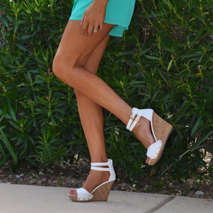 White Buckle Wedges – Boutique Amore`