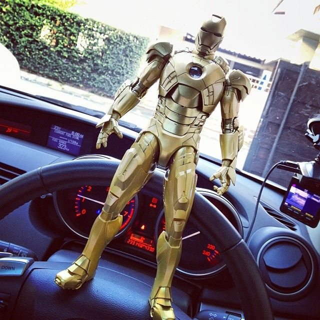 play imaginative Gold Iron man MK 7