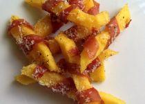 Chips di polenta con prosciutto crudo e Parmigiano