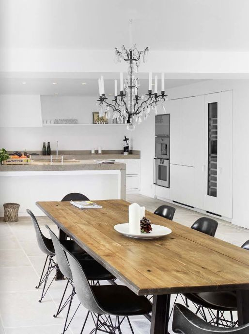 love this table: Dining Rooms, Estes Magazines, Wood Tables, Design Kitchen, Modern Kitchens, Wooden Tables, Design Home, Dining Tables, White Kitchens