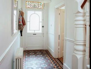 3 hallway must-haves and how to use them